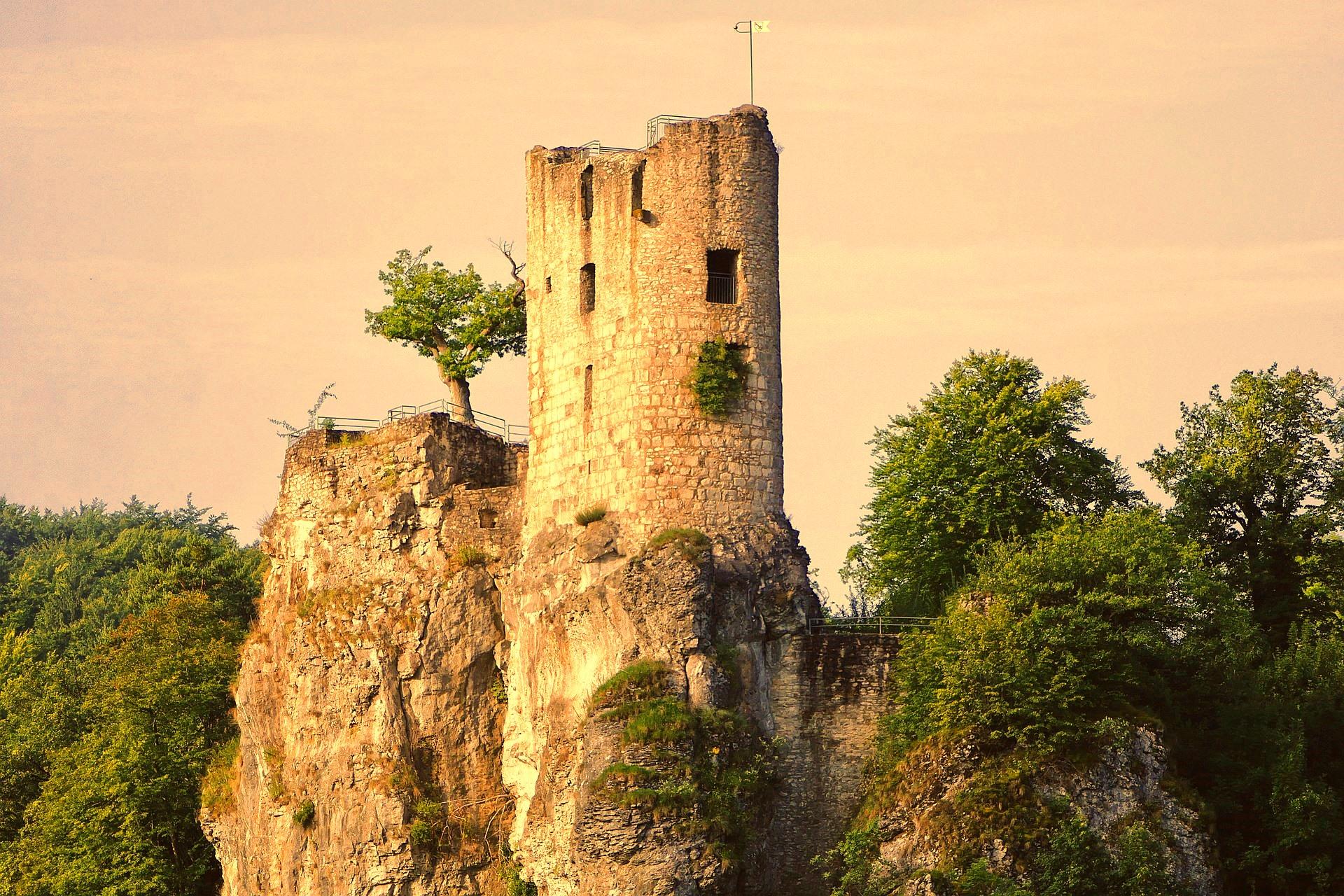 Burgruine Ruine Turm Sage